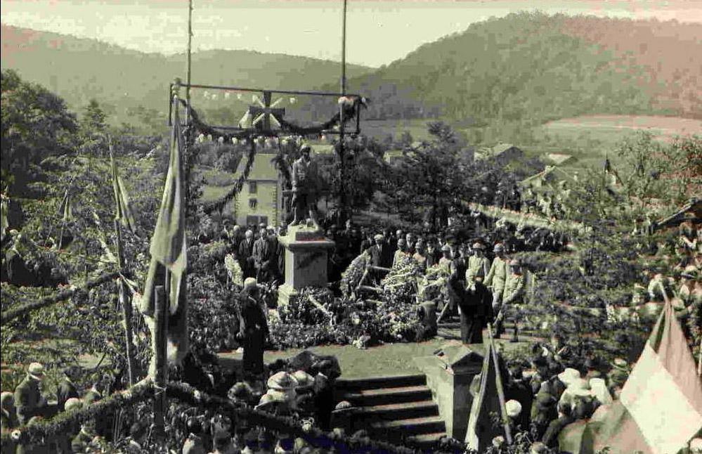 Belverne inauguration du monument 27 08 1922 travail