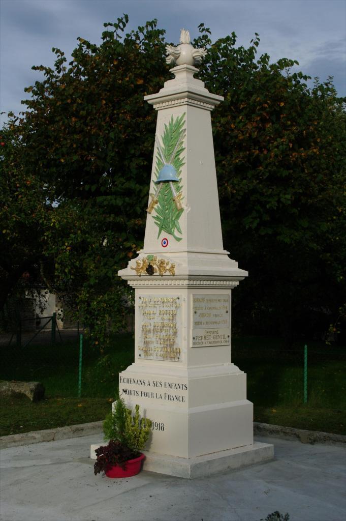 echenans-monument-renove-2013.jpg