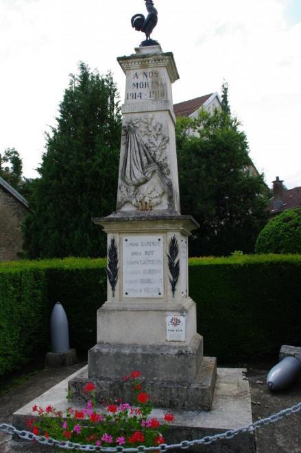 vyans-le-val-monument-3-vue-d-ensemble.jpg